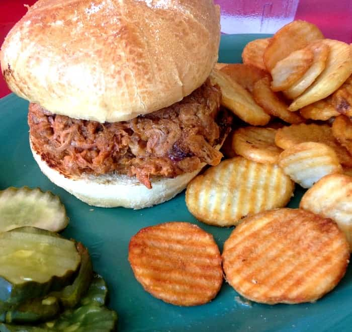 Mrs Mac's Kitchen - Key Largo - Pulled Pork Burger